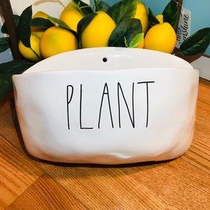Rae Dunn 🆕 Wall PLANT planter home decor